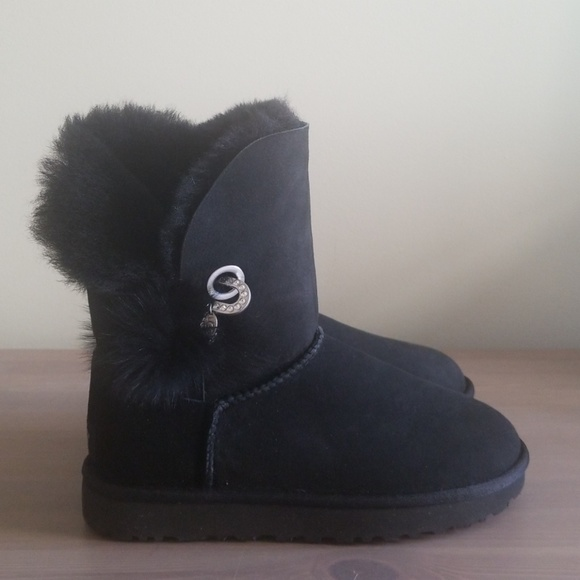 8904f9fc6ac New! UGG Irina sheepskin boots, size 7